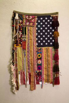DIY Bohemian Flag Made Of Scraps when-i-grow-up-gypsies-boho-hippie-and-indian-prin Hippie Boho, Estilo Hippie, Boho Gypsy, Bohemian Style, Boho Chic, Gypsy Soul, Gypsy Decor, Bohemian Design, Hippie Style
