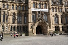 Whether you are planning a city break or an extended stay, there are a lot of places you can visit and plenty of things you can do in Manchester. Manchester Travel, Manchester Airport, Manchester Uk, Free Things To Do, Fun Things, Urban City, City Break, Night Life, Stuff To Do