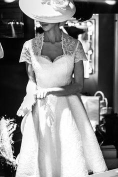 bf1d0fe10ed6 Ξεκινήστε από σήμερα να γράφετε την ιστορία του πιο επιθυμητού παραμυθένιου  γάμου αρχίζοντας από την επιλογή