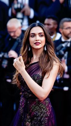 Deepika Padukone at Cannes 2017 Deepika Ranveer, Deepika Padukone Style, Deepika Padukone Cannes 2017, Shraddha Kapoor, Aishwarya Rai, Ranbir Kapoor, Shahrukh Khan, Indian Celebrities, Bollywood Celebrities