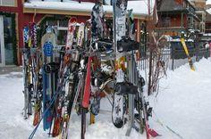 Estacionamento de esquis e Snowboards ...  Saiba onde esquiar em Toronto: http://www.mikix.com/onde-esquiar-em-toronto/