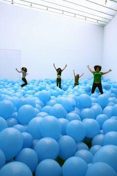 Balões Coloridos de Martin Creed - Martin Creed's Colored Ballons