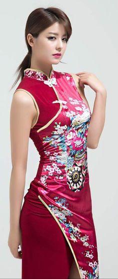 Japanese Beauty, Asian Beauty, Asian Fashion, Girl Fashion, Chinese Gown, Oriental Dress, Hot Japanese Girls, Cheongsam Dress, Beauty Full Girl