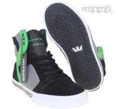 Supra Skytop - baskets enfant (youth) - Noir, gris et vert La Supra Skytop Kid en noir,gris et vert est une basket à la fois skate et super tendance : tous les enfants en raffolent en ce moment !  #Supra #Skytop #Alien #green #greenlantern #swag #mode #modeenfant