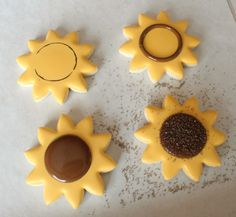 These look super cute and super yummy!!! Sunflower cookies!!