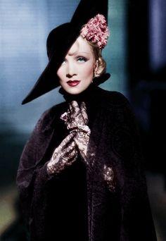 vampdreaminginhollywood:  Marlene Dietrich