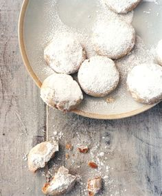 Cardamom and Cashew Cookies Recipe