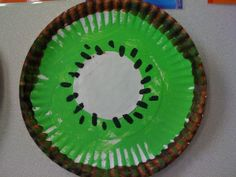 K is for Kiwi fruit! Bring in kiwi and let them all taste it! Kids Food Crafts, Fruit Crafts, Paper Plate Crafts For Kids, Daycare Crafts, Toddler Crafts, Food Kids, Food Food, Craft Kids, Alphabet Crafts