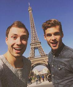 En toen stonden we opeens bij de Eiffeltoren// Rutger en Thomas