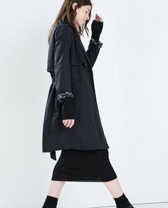 Image 3 of FLOWY TRENCHCOAT WITH CAMOUFLAGE LINING from Zara