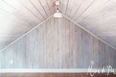 Are you looking for the perfect way to add some rustic style to your walls? Don't miss these 12 BRILLIANT ways to dress your walls with wood! Cedar Walls, Wood Plank Walls, Plank Ceiling, Wood Ceilings, Wood Planks, Wood Paneling, Pine Walls, Sloped Ceiling, White Wash Walls