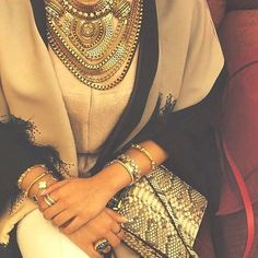 neutral statement necklace with hijab, How to wear statement necklace with hijab http://www.justtrendygirls.com/how-to-wear-statement-necklace-with-hijab/