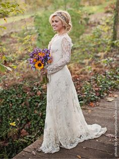 Beautiful bride! Kelly Clarkson's Wedding Dress: All the Details! | People.com