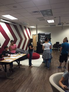 We had a great Meet the Teacher party - check out our pictures!