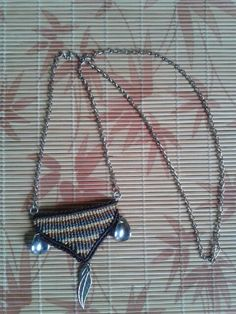 Colar Macramé www.elo7.com.br/319266 www.facebook.com.br/artesdarafa @artesdarafabh