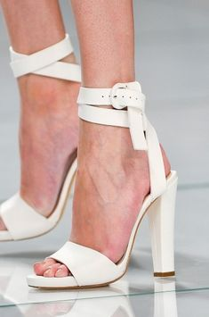 thechicdepartment: Double wrap & knotted! Ermanno Scervino