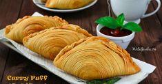 Karipap pusing, kue asli dari melayu malaysia atau biasa juga di sebut pastel singapore ... kata pusing sendiri yan... Curry Puff Recipe, Cookie Recipes, Snack Recipes, Malaysian Food, Savory Snacks, Chicken Recipes, Deserts, Food And Drink, Pastel