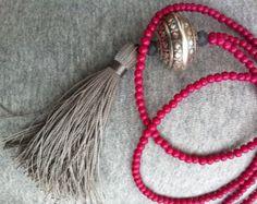 Quaste Halskette - Himbeere und Silber Halskette - Beaded Halskette - Böhmische Halskette