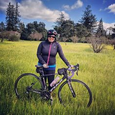 One of my favorite parts about riding down Los Altos Avenue is this pretty field filled with flowers at the end of winter and beginning of spring. Can't resist stopping here for a photo op!  #ridingmybike #bayarealiving #losaltos #cyclingadventures #endofwinter #springisintheair #cyclingdiaries