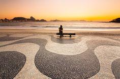 Amanhecer em Copacabana com Drummond, Rio de Janeiro.  Impressão FineArt - Dispersão de pigmento mineral sobre papel de algodão ...