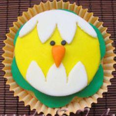 Cupcake de pintinho ...  ... SINHÁ AÇÚCAR em São Paulo/SP ... Encomendas comigo: TIM (11) 98671-6390 / VIVO (11) 95786-3745 ... sinhaacucar.blogspot.com.br ... sinhaacucar@gmail.com  #bolo #bolodecorado #cupcake #cake #pastaamericana #arteemaçúcar #sugara