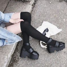 Shop from the best fashion sites and get inspiration from the latest grunge. Pretty Shoes, Cute Shoes, Me Too Shoes, Grunge Style, Pale Grunge, Fashion Shoes, Fashion Tips, Fashion Design, Fashion Ideas