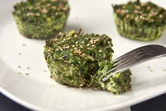Muffin Kale Cups: These were really good. Only made 8 muffins with 8 cups Kale. Healthy Snacks, Healthy Eating, Healthy Recipes, Delicious Recipes, Muffin Pan Recipes, Brunch, Good Food, Yummy Food, Muffin Tins