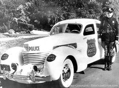 Indiana State Police 1937  Cord supercharged 812 Westchester Sedan