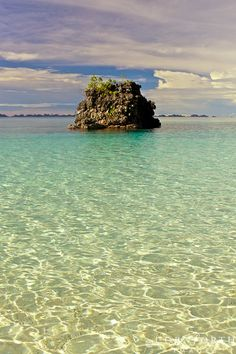 I just want to walk and swim here in Gelu Pinnacle, Misool, Raja Ampat, Indonesia #zimmermanngoesto