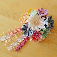Crochet Flowers, Fabric Flowers, Paper Flowers, Ribbon Art, Ribbon Bows, Ribbons, Flower Crafts, Flower Art, Charms