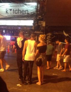 Zayn Malik Cheating On Perrie Edwards With Mystery Blonde At Nightclub In Phuket, Thailand - http://oceanup.com/2015/03/17/zayn-malik-cheating-on-perrie-edwards-with-mystery-blonde-at-nightclub-in-phuket-thailand/