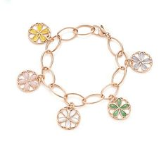 I love charm bracelets. This one is so elegant and, of course, from Tiffany & Co. *