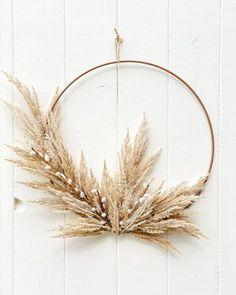 Dried Flower Wreaths, Fall Wreaths, Dried Flowers, Christmas Wreaths, Christmas Decorations, Handmade Decorations, Christmas Diy, Fleurs Diy, Modern Wreath