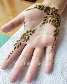 Floral Henna Designs, Finger Henna Designs, Mehndi Designs Book, Latest Bridal Mehndi Designs, Full Hand Mehndi Designs, Mehndi Designs For Girls, Mehndi Designs For Beginners, Mehndi Design Photos, Mehndi Designs For Fingers