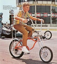 Schwinn Orange Crate — These were the coolest stick-shift bikes. Couldn't come close to affording it then, not now. Cool Bicycles, Cool Bikes, Bmx, Raleigh Chopper, Rare Historical Photos, Push Bikes, Old Bicycle, Bike Art, Classic Bikes