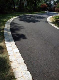 Top 40 Best Driveway Edging Ideas - Inviting Border Designs Invite guests in with the top 40 best driveway edging ideas. Explore unique border designs from brick to pavers, concrete, stone landscaping and beyond. Blacktop Driveway, Asphalt Driveway, Gravel Driveway, Driveway Gate, Stone Landscaping, Driveway Landscaping, Landscaping Ideas, Driveway Border, Front Driveway Ideas