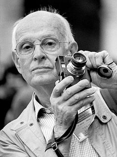 Henri Cartier Bresson a French photographer considered to be the father of photojournalism. He was an early adopter of 35 mm format, and the master of candid photography. Henri Cartier Bresson, Famous Portrait Photographers, French Photographers, Candid Photography, Street Photography, Portrait Photography, Urban Photography, Color Photography, White Photography