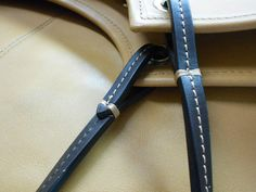Two narrow shoulder straps in chocolate Natural Wax Leather
