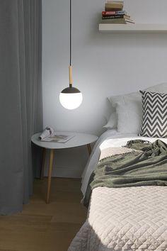 Colgante MINE con acentos en madera perfecto para la iluminación del dormitorio o del comedor