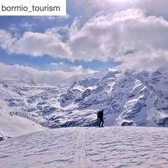 #Repost @bormio_tourism with @repostapp. ・・・ In cima al mondo, tutto è perfetto!  #valtellina #sondrio #bormio #livigno #valmalenco #madesimo #europe #alpi #lombardia #italia #landscape #natura #montagna #travel #viaggiare #nature #photooftheday #mountain #inlombardia365 *** At the top of the world, everything is perfect!  Ph. @sosiovalentino