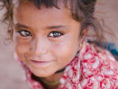 De Italiaanse fotograaf Emanuele Siracusa deelt in woord en beeld het verhaal van de armste gemeenschappen van India: de Nomads of Gujarat.