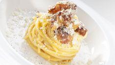 La Carbonara, piatto bandiera della cucina italiana, è diventata icona delle più ardite reinterpretazioni. E gli chef si cimentano in versioni