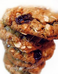 Gluten-Free Oatmeal Raisin Cookies  #Gluten-free #oatmeal-raisin #cookies