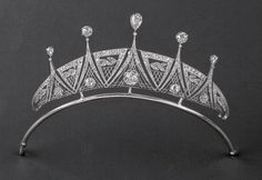 Antique Jewelry An Art Deco platinum and diamond tiara, about Royal Crowns, Royal Tiaras, Tiaras And Crowns, Diamond Tiara, Art Deco Diamond, Art Deco Jewelry, Jewelry Design, Antique Jewelry, Vintage Jewelry