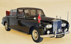 Chassis 5LVF113 (1967) Special Landaulette by Mulliner Park Ward (body S37/20127, design 2052) for Erle M. Heath