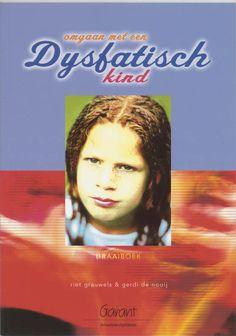 Het boek 'Omgaan met een dysfatisch kind' van R. Grauwels is een aanrader voor diegene die een leerling met dysfasie willen ondersteunen. Ook mensen die meer willen te weten komen over de problematiek dysfasie, zullen zeker goed geïnformeerd worden. In het boek wordt alles aan de hand van de praktijk uitgelegd. Het boek staat vol met praktijkvoorbeelden.