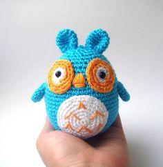 Crocheted stuffed owl christmas par sabahnur sur Etsy, $30,00