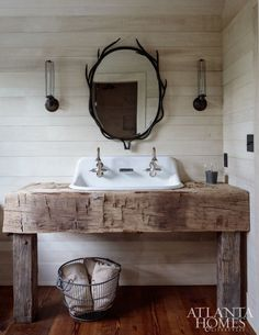 hunting lodge bathroom  Architecture: Plumbing Fixtures, Facuets, Tubs, Showers, & Toilets Web site : www.thejonathanalonso.com  #showerpipe #faucet #tub #toiletrieslipat #JonathanAlonso