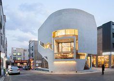 Дом с изогнутой стеной в Южной Корее
