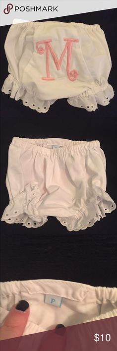 """MudPie """"M"""" eyelet diaper cover Eyelet trimmed white bloomers embroidered with pink """"M"""" by MudPie. Labeled as Preemie size, but they can fit to at least 3 months bc of elastic. Mud Pie Bottoms Casual"""